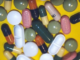 Wirkstoffgleiche Medikamente können trotzdem andere Nebenwirkungen ...