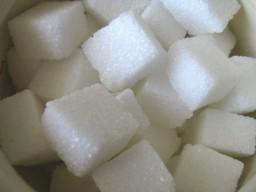 Sportgetränke enthalten oft viel Zucker und sind deshalb laut US-Experten ...